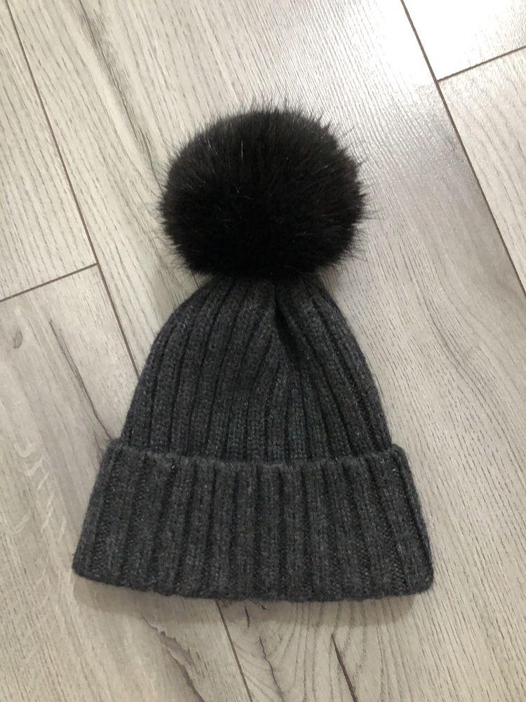 Damska czapka z pomponem wełna