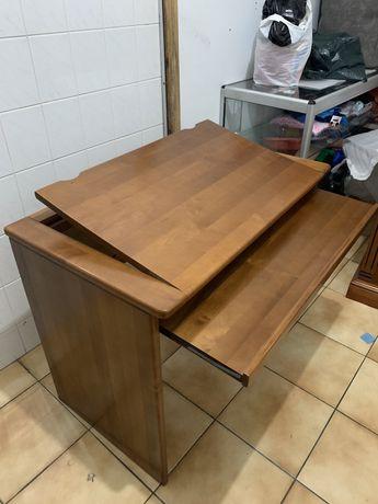 Vendo secretaria com madeira de alta qualidade (inclui cadeira).
