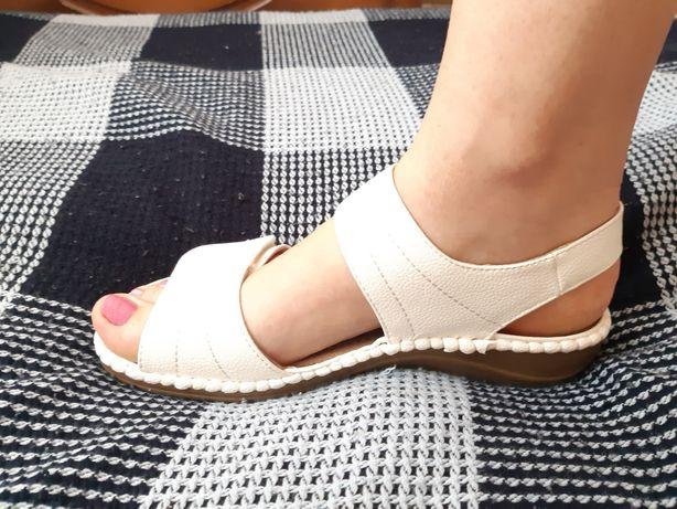 Босоножки анатомические босоніжки сандалии мягкие белые 39