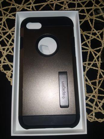 Etui na iPhona 7