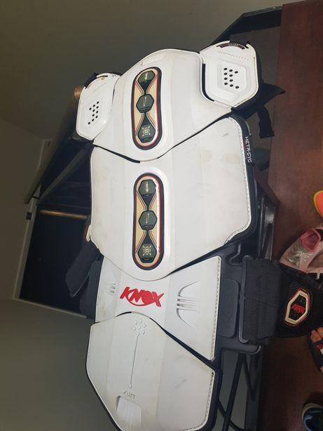 Knox buzzer ochraniacz pleców