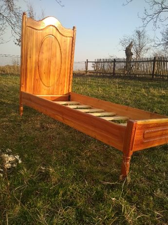 Продається ліжко (дерев'яне)