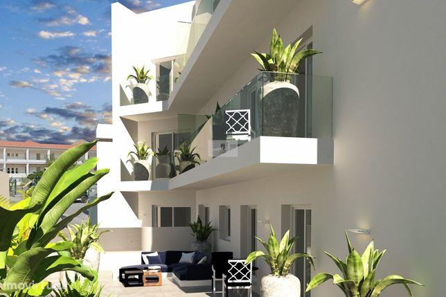 Apartamento T3 de Luxo com Terraço e Varanda, no centro da cidade de T