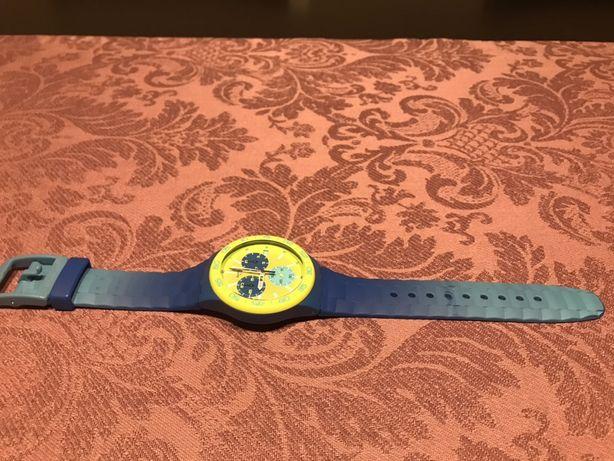 Relógio Swatch SUSN404 Blue Rug Plastic Chronograph
