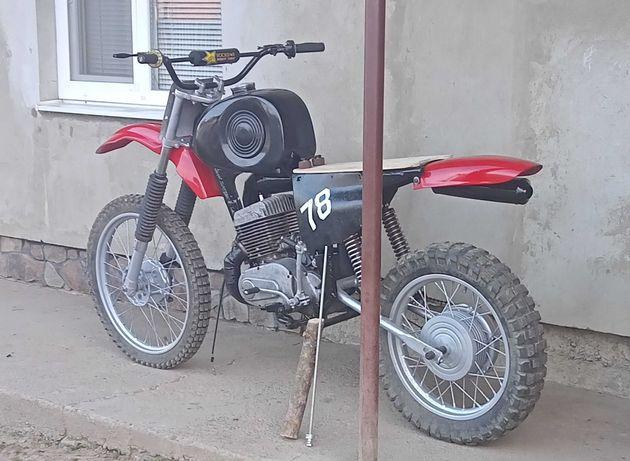 Їж к 16 кроссовый мотоцикл