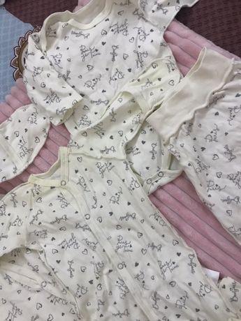Бодики и штанишки для новорождённого малыша