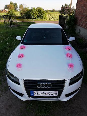 Dekoracja na samochód ślubny