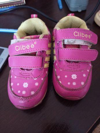 Дитячі кроссовки
