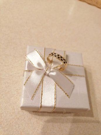 NOWY złoty pierścionek z cyrkoniami