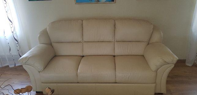 Skórzany komplet wypoczynkowy Helvetia Furniture.