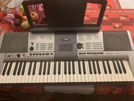 Yamaha YPT-410 organy  keyboard
