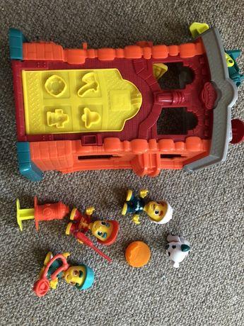 Play-Doh firmy Hasbro zestaw Town strazak remiza lekarz