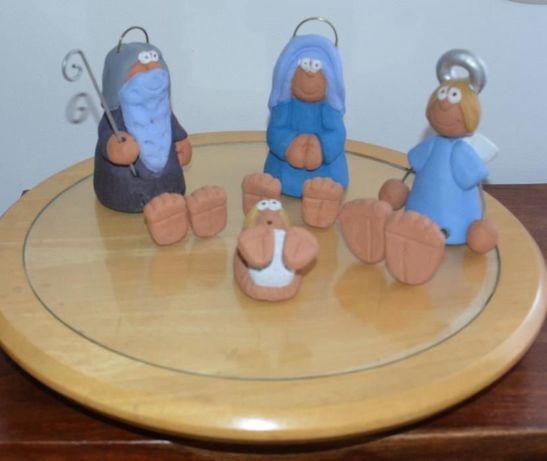 Presépio Artesanal em Cerâmica, com 4 personagens