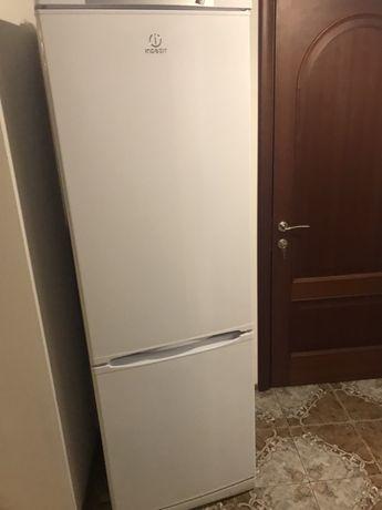 Продам холодильник Indesit SB185.027