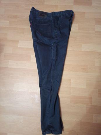 Брюки джинсы Levis 30 (Calvin Klein stone Island Dolce Gabana)