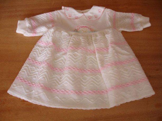 Conjunto vestidos e casacos bebé