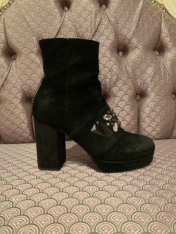 Ботільйони, чобітки, черевички LorenzoMari 38 розміру, замша, італія