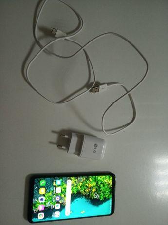 Телефон LG V35 ThinQ 6/64 GB