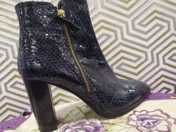 НОВІ стильні жіночі черевички