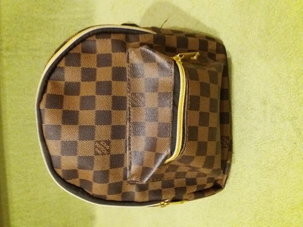 Sprzedam nowy plecak Louis Vuitton.