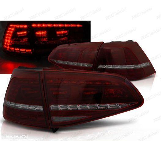 CONJUNTO DE FAROLINS VW GOLF 7 HATCHBACK 13-17 LOOK GTI INDICADORES LEDS DINÂMICOS VERMELHO / FUMAD