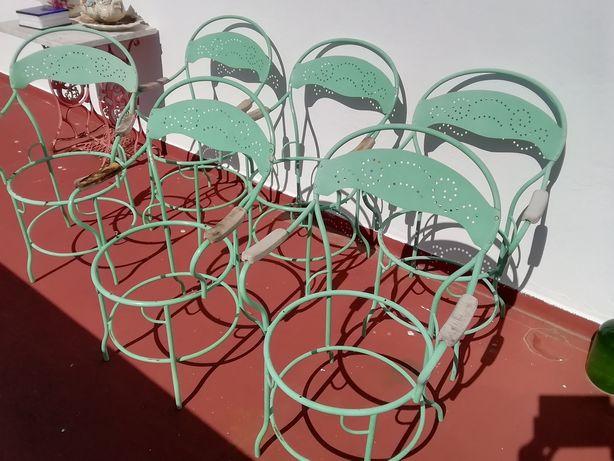 6 cadeiras de jardim em ferro