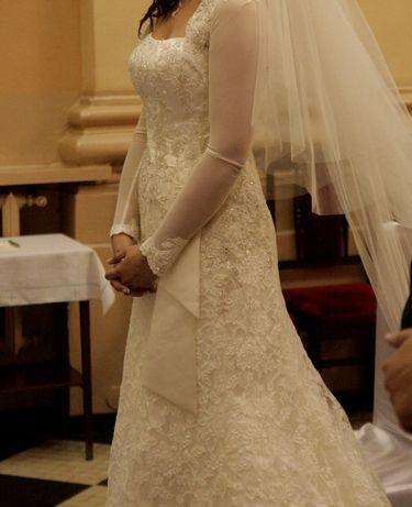 Koronkowa suknia śluba 36/38 typ syrena/rybka kolor ivory