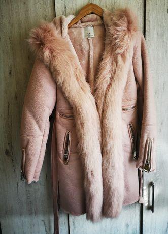 Zimowy płaszcz kożuszek bardzo cieply rozmiar L
