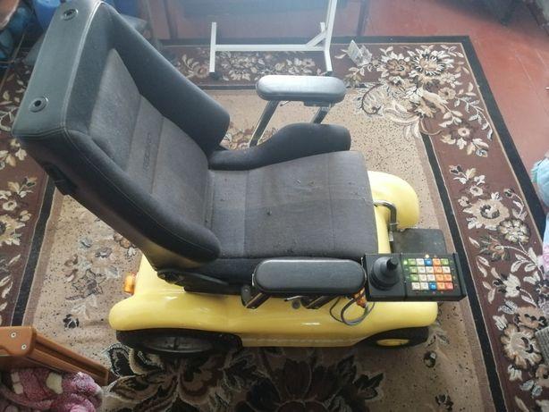 Коляска інвалідна з електроприводом