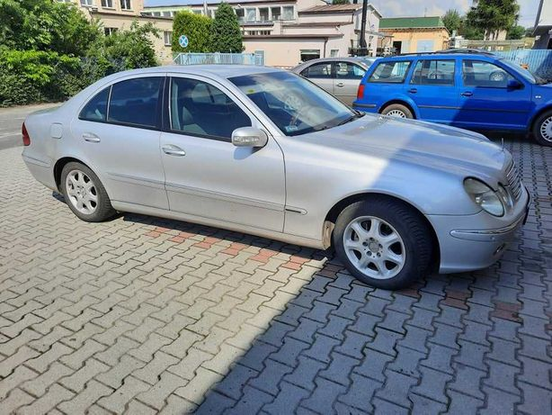 Sprzedam - Mercedes Benz E270 Elegance