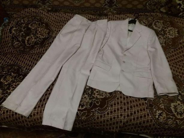 костюм на випускний або весілля розм.44-46