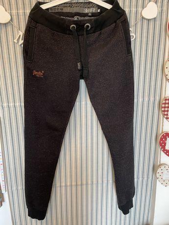 Spodnie dresowe SuperDry M