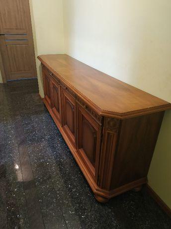 stara drewniana komoda