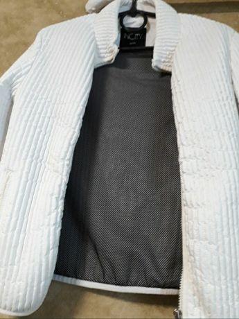 Курточка белая, размер 44