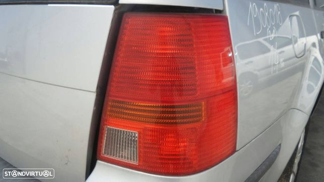 Farolim Direito Volkswagen Golf Iv Variant (1J5)