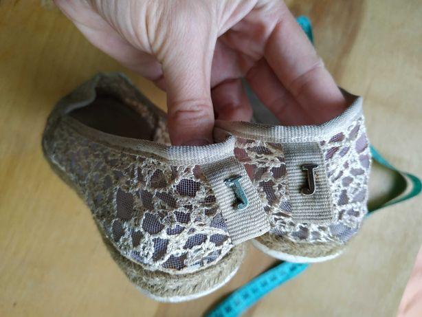 Босоніжки туфлі на дівчинку
