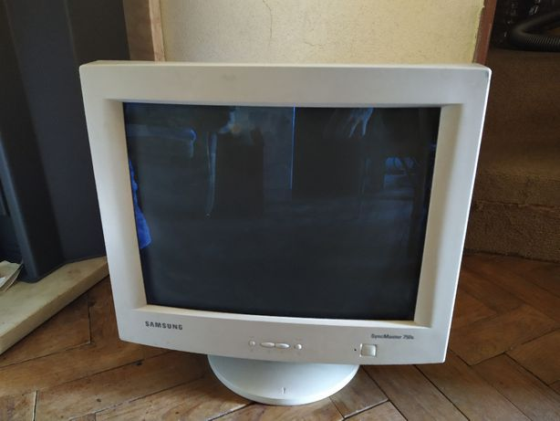 Monitor CRT Samsung SyncMaster 750s