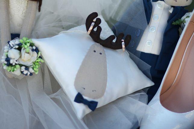 Свадебная подушечка для колец и жених с невестой интерьерные игрушки