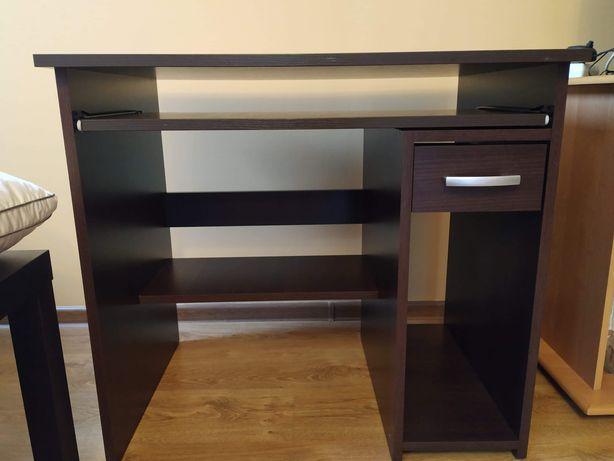 Zadbane biurko na sprzedaż