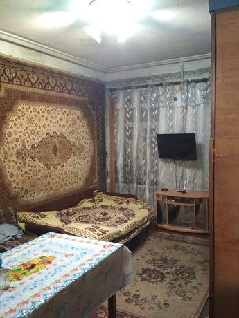 Продам комнату 18 м 2 в центре, метро Защитников Украины