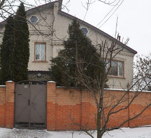 2-х этажный коттедж с гаражом в р-не Черноморки площадью 242 кв.м.
