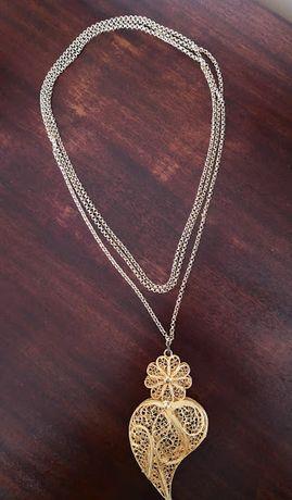 Cordão / volta em metal dourado + coração em filigrana