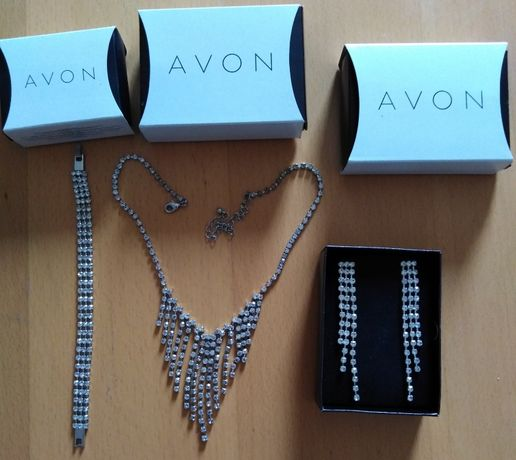 Zestaw biżuterii posrebrzanej z Avonu