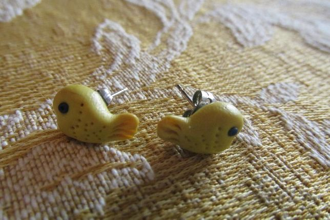 2 Pares de brincos em peixinhos
