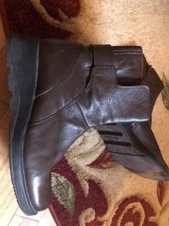 Продаю якісні шкіряні чобітки 37 розміру 150 грн