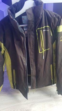 Sprzedam kurtkę chłopięcą r 146