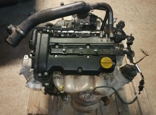 Motor Opel Corsa Z12XEP Twinport 80CV (avariado) para peças.
