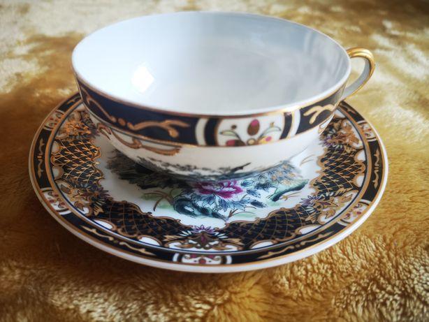 Filiżanka . Cieniutka chińska  porcelana