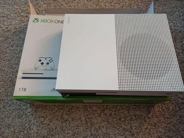 Xbox ONE S 1 TB biały + 2 pady Microsoft białe