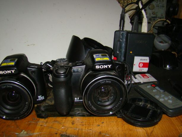 2 Фотоаппарата Sony DSC-H50